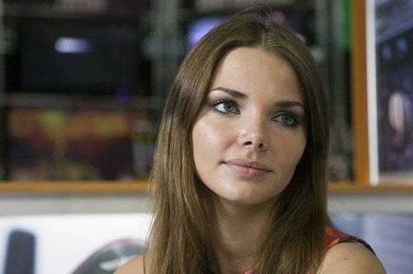 Изможденная Лиза Боярская стала похожа на девчонку