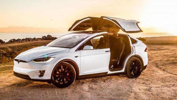 Машины Tesla Model S и Model X получат другие двигатели