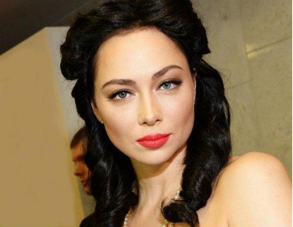 Настасья Самбурская пожаловалась, что её «разнесло» перед пляжным сезоном