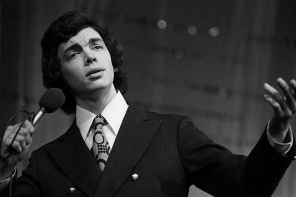 Творческий путь советского певца Сергея Захарова