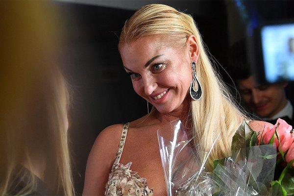 Анастасия Волочкова попробовала себя в роли вратаря