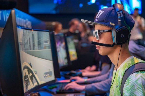 Почему так популярны сетевые игры?