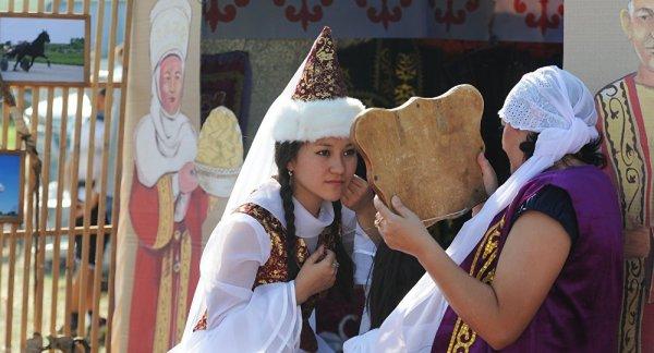 Каким должен быть казахский национальный костюм?