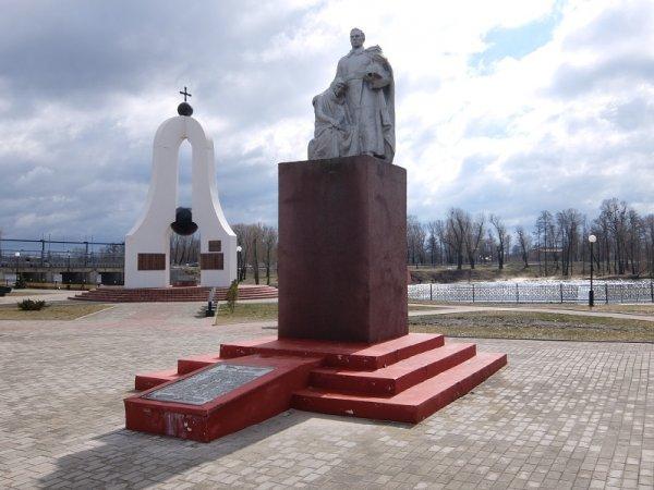 Каковы отличия мемориального комплекса от обычного памятника?