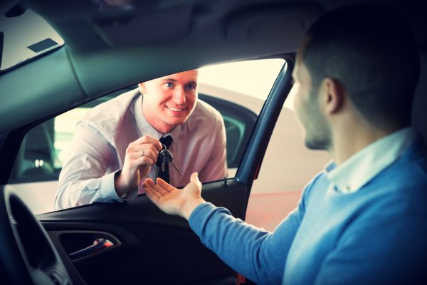 Почему стоит арендовать машину без водителя?