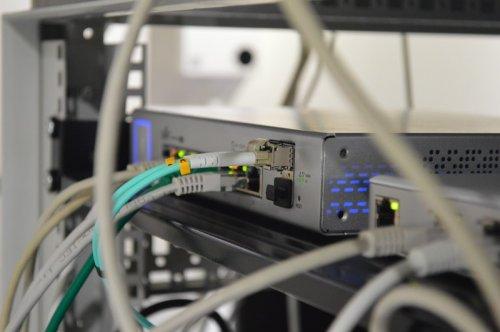 Преимущества и недостатки оптического кабеля